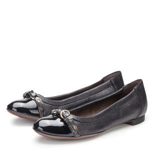 AGL Black ICON Cap Toe Leather Flat Size 39.5